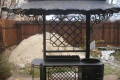 Кованый мангал с крышей № 18