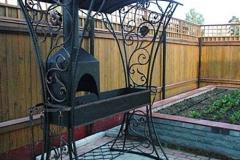 Кованый мангал с крышей № 5